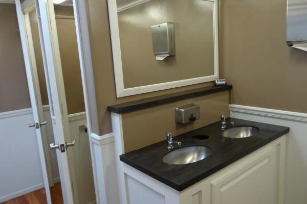 Crosiers Sanitation Interror Portable hand wash station